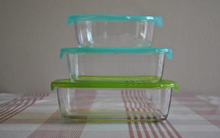 Nous avons fait le choix de proposer des contenants en verre trempé, fabriqués en France. Le verre est un matériau réutilisable et recyclable à l'infini a également les avantages d'être sain, non poreux, 100% hygiénique et sans aucun risque de migration.